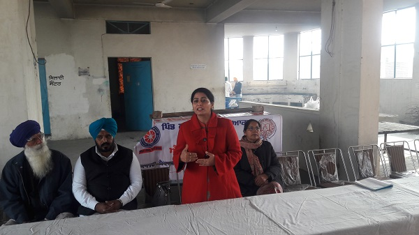 Dr. Manmeet Manav, Agriculture Development Officer, State Agro Lab, PAU Ludhiana, addressing Village community during Community Interaction Programme