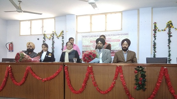 Rtn. Jasminder Singh, President Rotary Club Ludhiana Mid Town, Rtr. Nitika Pahwa, DRR RD-3070 and Dr. Naginder Kaur during Rotaract Installation Ceremony