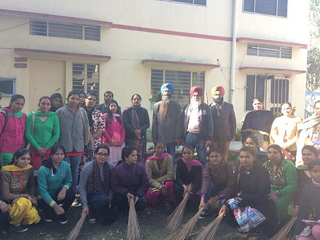 Dr. Charanjit Singh, Deputy DEO(SE), Ludhiana, with the NSS Volunteers during  Cleanliness Campaign in 7 Day NSS Camp.